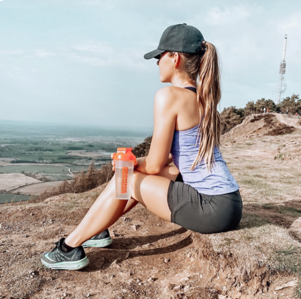 What are the benefits of exercising outdoors?